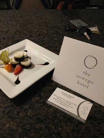 The Oswego Hotel: Welcome Truffles from the Management