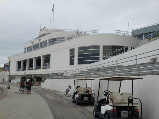 San Francisco Maritime Museum/Aquatic Park Bathhouse Building : Exterior