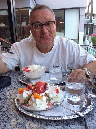 Samero's Icecream Paradise: Yoghurt and rum raisin, my favourite