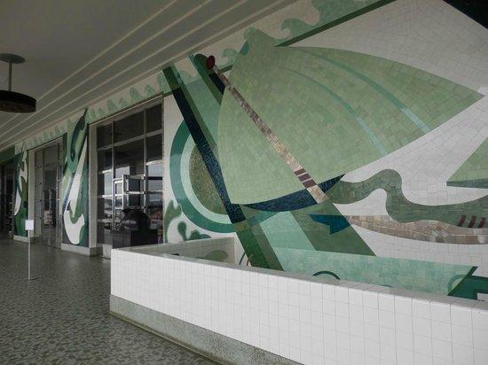 San Francisco Maritime Museum/Aquatic Park Bathhouse Building : Second floor balcony murals