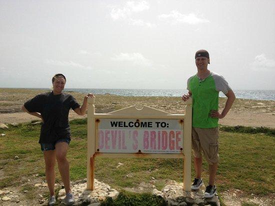Pineapple Beach Club Antigua: Devil's Bridge...not toooo far to walk