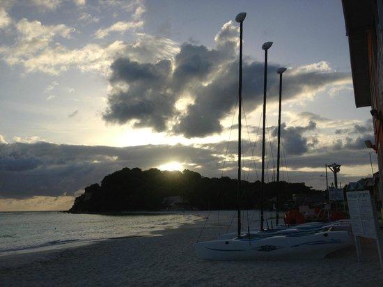 Pineapple Beach Club Antigua: sunrise