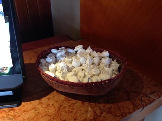 Estelar Paipa Hotel & Convention Center: merengues de la recepción
