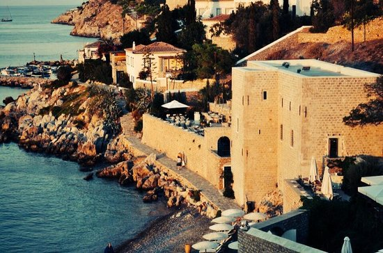 castello beach hydra