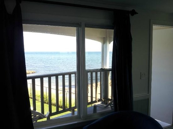 Pelham House: Wonderful side view from room