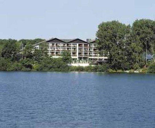 Best Western Premier Seehotel Krautkrämer: Außenansicht vom See