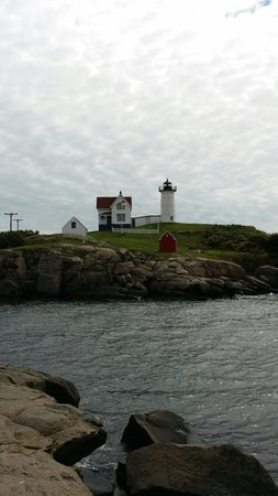 Cape Neddick Nubble Lighthouse: Cloudy but still beautiful
