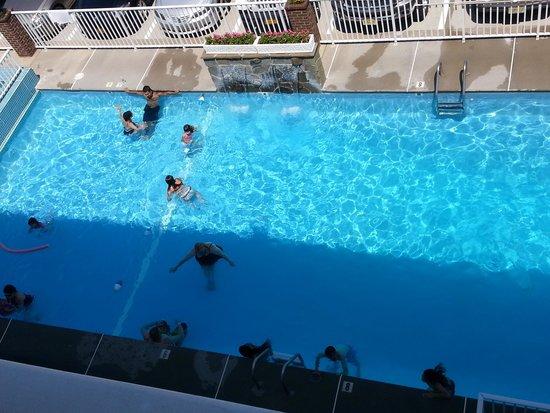 Ocean Holiday Motor Inn: Pool
