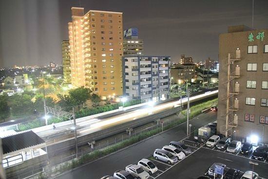 AB Hotel Mikawaanjo Honkan: 高い階だと東海道本線が見える