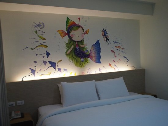 Legend hotel: wall painting