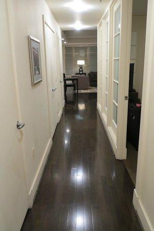 AKA White House: Entrance
