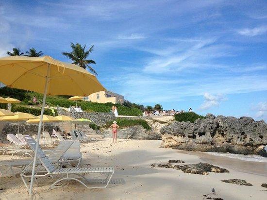 Coco Reef Resort Bermuda: beach