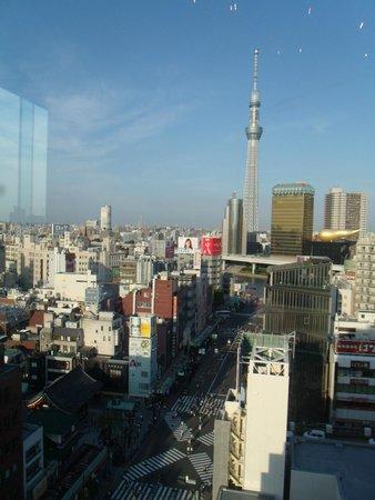 THE GATE HOTEL Asakusa Kaminarimon by HULIC : お部屋からのスカイツリー