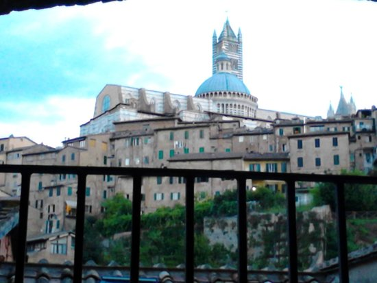 Hotel Alma Domus : The view from room 39