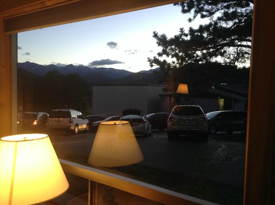 Hotel Estes: View from room no. 102 to the mountains