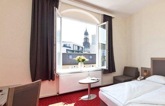 Novum Hotel Holstenwall Hamburg Neustadt: Komfortzimmer mit Michelblick
