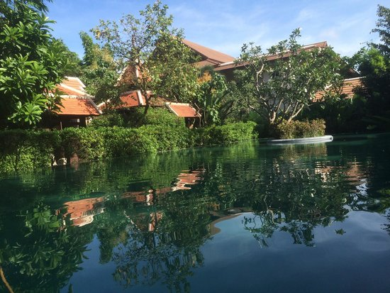 Siripanna Villa Resort & Spa: Peaceful water reflection