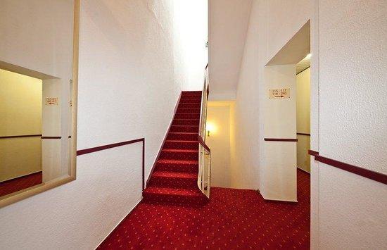 Novum Hotel Leonet Köln Altstadt: Flur