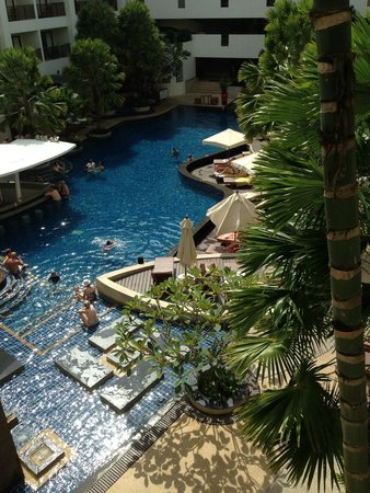 Deevana Plaza Phuket Patong : Pool View