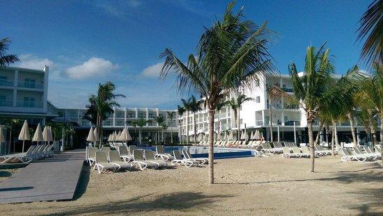 Hotel Riu Palace Jamaica: Inland from the beach