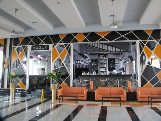 Hotel Riu Palace Jamaica: Coolest bar in Montego Bay