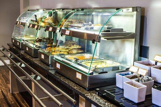 Holiday Inn Express London Royal Docks - Docklands: Breakfast Bar