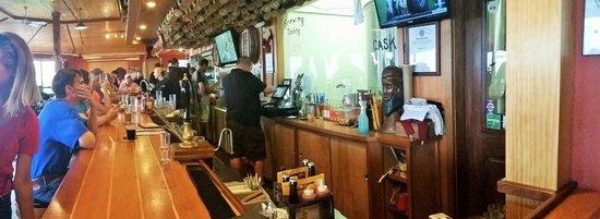 Cape Ann Brewing Company: Friendly bar area.