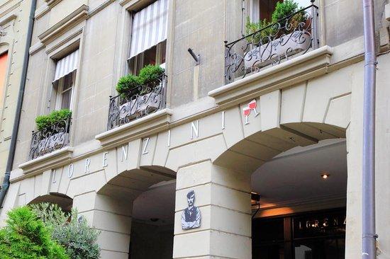 Lorenzini: The exterior
