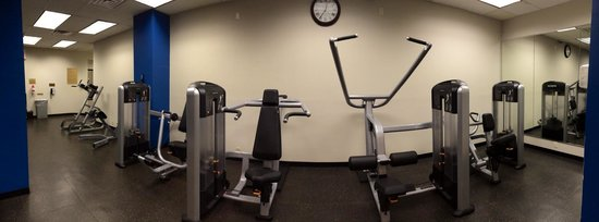 The New Yorker a Wyndham Hotel: New Yorker hotel gym3