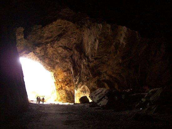 Cavernas y cueva del toro
