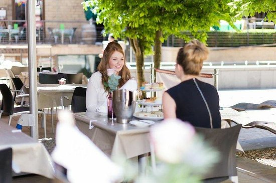 Leopold Hotel: Afternoon Tea in the Terrace