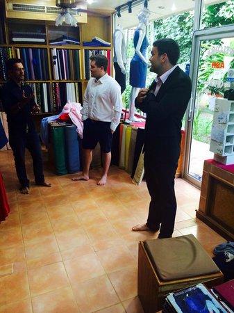 Ash Tailor Samui : discussing fabrics