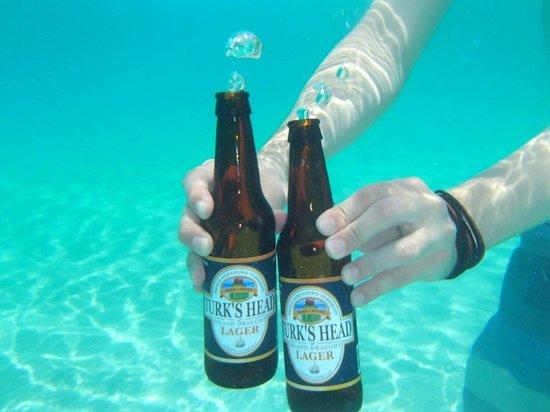 Sibonne Beach Hotel: turkshead beer underwater