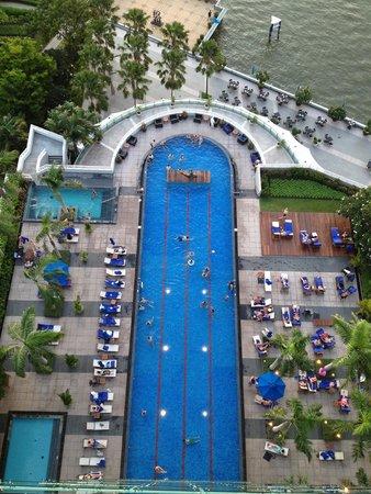 Chatrium Hotel Riverside Bangkok: Pool View From Balcony