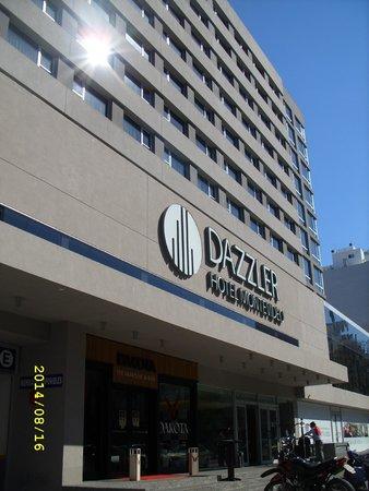 Dazzler Montevideo: Entrada