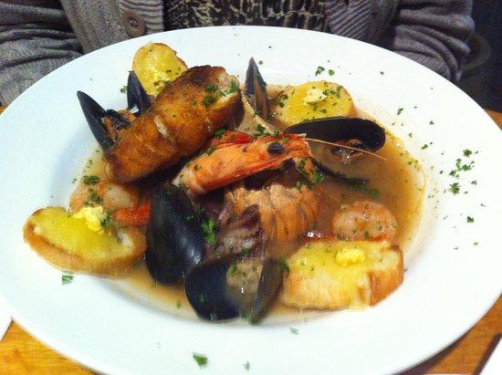 La Riviera Bistro: Bouillabaise