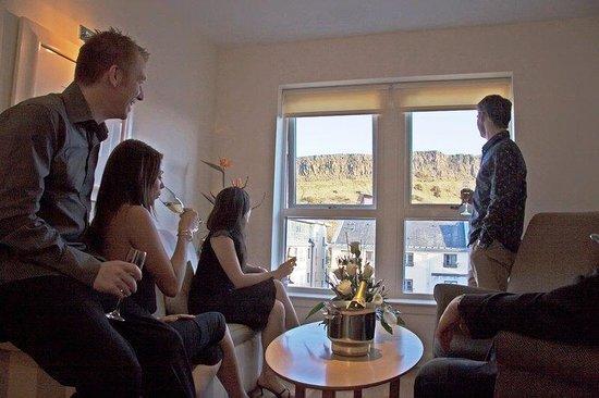 Holyrood apartHOTEL: Lounge