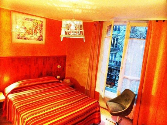 Hotel Roma Sacre Coeur: Guest Room