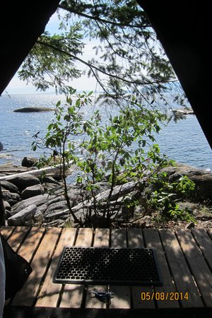 Rockwater Secret Cove Resort: Looking out of SPA tent