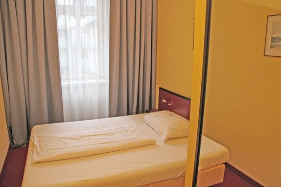 Hotel Fürst Metternich: Guest room