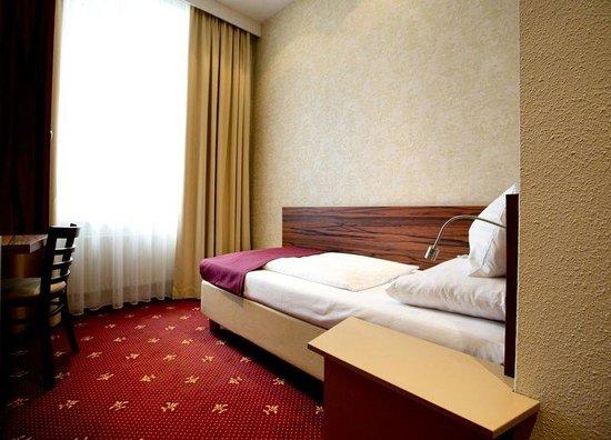 Hotel Fürst Metternich: AUVIEFUR