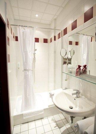 Hotel Fürst Metternich: Bathroom