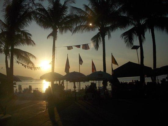 Patong Beach : Patong au coucher du soleil