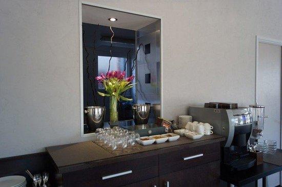 Hotel de l'Etoile: breakfast