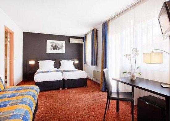 Quality Hotel Mediterranée : Triple Room NTTT