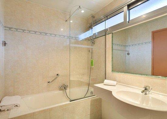 Quality Hotel Mediterranée : Bathroom NTTTPRIVILEGE