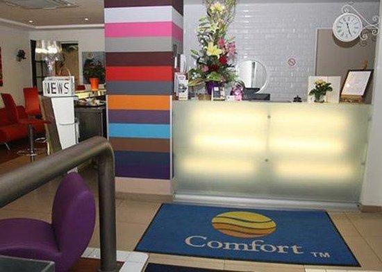 Comfort Hotel Paris La Fayette : Lobby