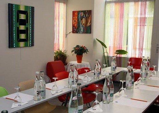 Comfort Hotel Paris La Fayette : Meeting Room