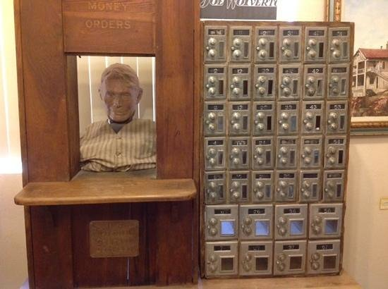 Clemenceau Heritage Museum: Old Post Office display