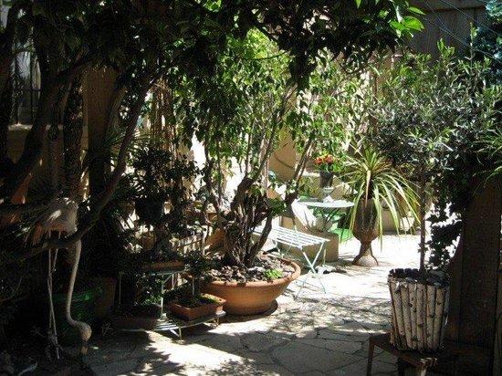 Hotel Villa Nina: exterior
